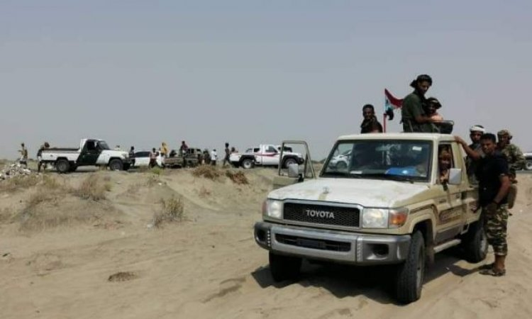 عقب فشل الوساطة .. مواجهات عنيفة بين قوات الشرعية وقوات الانتقالي في أبين