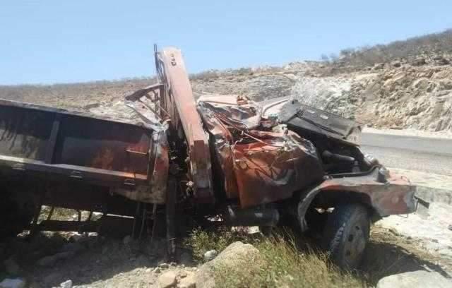 وفاة شخصين وإصابة آخرين خلال حادث مروري مروع في سقطرى