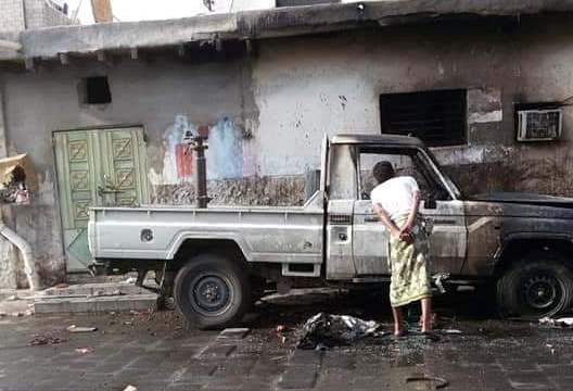 """انفجار طقم في العاصمة نتيجة استهدافه بعبوة ناسفة """"صورة """""""