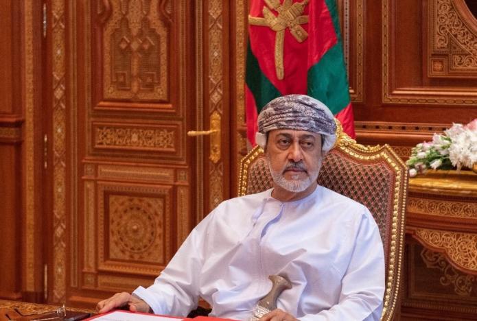 في اول زيارة له منذ توليه الحكم … سلطان عمان في السعودية الأحد المقبل لبحث أزمة اليمن