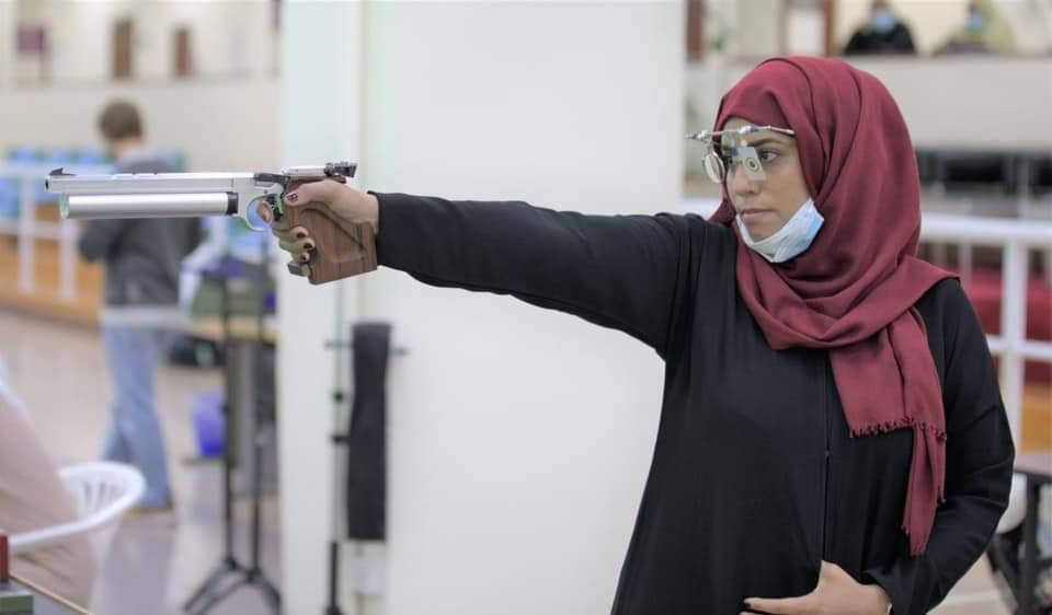 """تعرف على الفتاة اليمنية """"القناصة """""""