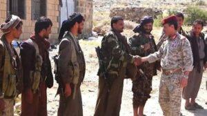 عاجل: جولة ميدانية لوزير الدفاع في بيحان وحريب (صورة)